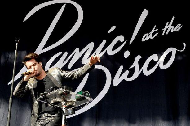 panic-at-the-disco-at-leeds-2015