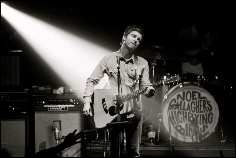 Noel Gallagher's High Flying Birds Live Photo 3 (Jill Furmanovsk
