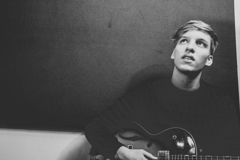 George-Ezra-Full-Res-24_lower_res1-1024x682