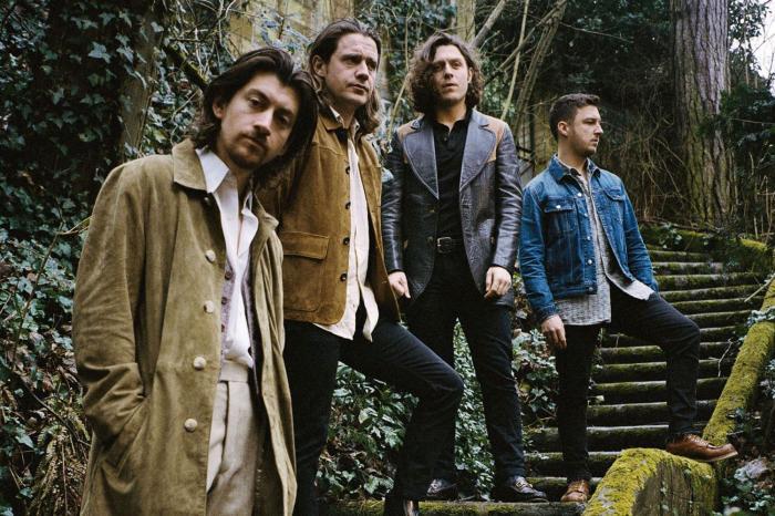 Arctic-Monkeys-Tranquility-Base-Hotel&Casino